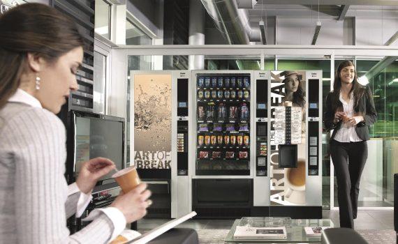 Verpflegung aus dem Automaten überbrückt Lücken in der Gastronomie. Kaffee-, Getränke- und Snackautomaten.